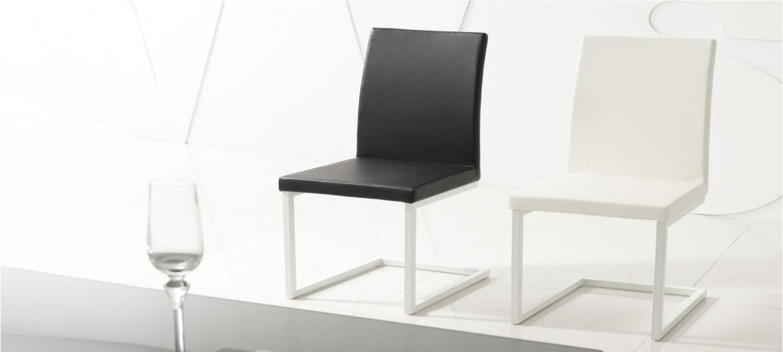 chaise noire salle a manger maison design. Black Bedroom Furniture Sets. Home Design Ideas