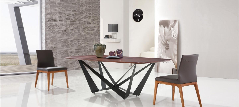 Table manger design en bois suzana for Table a manger en bois design
